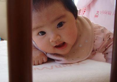 ベッドの赤ちゃん