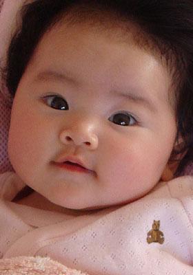 アップの写真の赤ちゃん